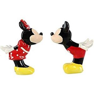 Mickey and Minnie kissing Salt and Pepper Shaker
